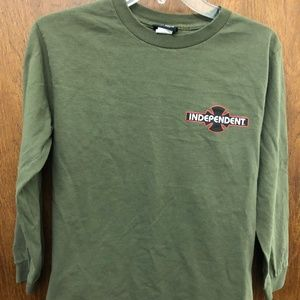 INDEPENDENT skateboarder boys long sleeved tee